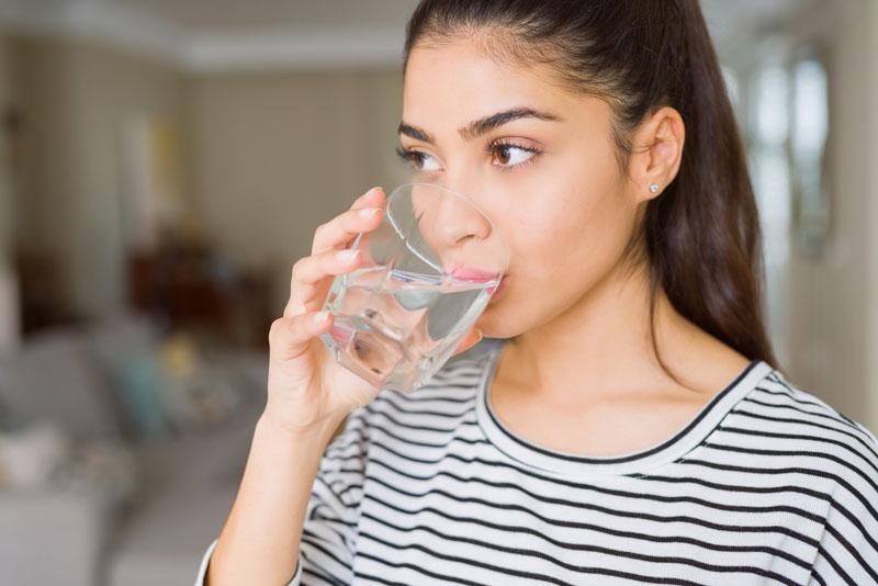 Hidratar-se correctament: el perill de beure massa